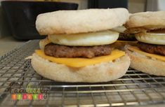 Sausage Egg McMuffin Copycat, premake, wrap and freeze for a healthier version Egg Mcmuffin Recipe, Sausage And Egg Mcmuffin, Make Ahead Meals, Freezer Meals, Freezer Recipes, Cat Recipes, Yummy Recipes, Healthy Recipes, Breakfast Burritos