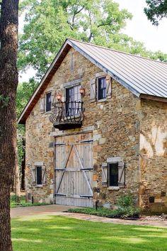 offene Fassade eines Bauernhauses