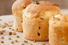 Panetone de Liquidificador Ingredientes (10) 5 xícaras (chá) de farinha de trigo (600 g) 1 envelope (10 g) de fermento