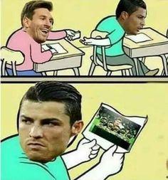 Lionel Messi żartuje z Cristiano Ronaldo #messi #lionelmessi #cristianoronaldo #ronaldo #football #soccer #sports #pilkanozna