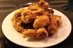 Otthon is készíthetsz fűszeres csirkeszárnyakat, finom és nincs tele tartósítószerekkel! Próbáld ki! Hozzávalók: 10 csirkeszárny 4 evőkanál liszt 4 evőkanál kukoricapehely 1 teáskanál őrölt pirospaprika[...]