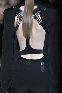 Gucci Spring 2010 - Details