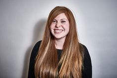 Stock-Foto : Studio Portrait of a late 20's red headed female