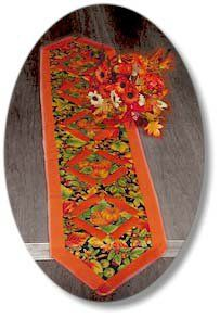 This harvest table runner is great for Thanksgiving or the entire autumn season. Make one for your home with this easy table runner pattern and this simple Thanksgiving craft can liven up your home.