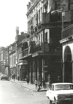 Hanover Street, 60's Holden Old Photos, Vintage Photos, Cities In Africa, Hanover Street, Cape Town South Africa, Most Beautiful Cities, Historical Pictures, African History, Ww2