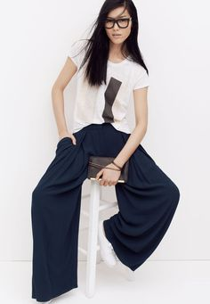 Wide leg pants - love this look Wide Leg Pants, Wide Trousers, Boho, Get Dressed, Minimalist Fashion, I Dress, Casual Chic, Leggings Are Not Pants, Style Me