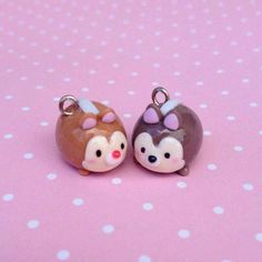Jan 14, 2018 - This Pin was discovered by Maddi Is Lame. Discover (and save!) your own Pins on Pinterest Polymer Clay Disney, Cute Polymer Clay, Polymer Clay Charms, Polymer Clay Jewelry, Polymer Clay Sculptures, Polymer Clay Creations, Sculpture Clay, Clay Keychain, Tsumtsum