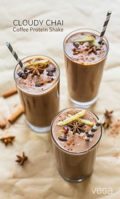 A specialty coffee, a dirty chai is typically a chai latte with a shot of espresso. This chilled and blended version still combines the warming spices of masala chai, with the bold, roasted taste of coffee, but adds a solid 25 grams of plant based protein, and functional carbohydrates from both bananas and dates!