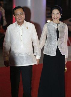 Villamor High School - THE WORLD LOVES THE MAN IN A BARONG TAGALOG, APEC TRADITION?