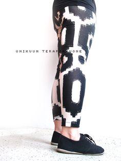 Make your own leggins. Black & White leggins by Unikuun terapiahuone