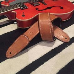 Leather guitar strap #handstitchedleather  #leatherguitarstrap