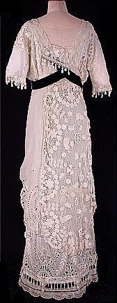 1912 Irish Crochet Lace Wedding Gown (back)