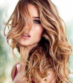 Karamell hebt für leichte braune gewellte Haare,