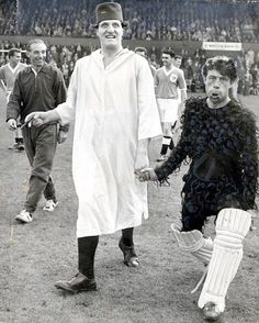 Tommy Cooper, Jimmy Jewel and Stanley Matthews at Bloomfield Road for a Comedians XI v Blackpool FC charity match in the Stanley Matthews, Blackpool Fc, Tommy Cooper, Football Odds, Leeds United, Amy Winehouse, British Actors, Swings, Famous Faces