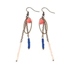 Boucles d'oreilles pendantes Corail Enchantée So par SaayaCreation, €25.00