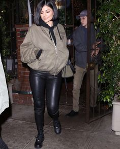 """263 Likes, 3 Comments - Kylie Jenner Updates (@kylie.pix) on Instagram: """"Kylie Jenner out and about in Beverly Hills, CA 5/6/16 #kylie #kingky #kingkylie #kyliejenner #tyga…"""""""