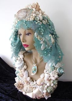 Decorative pillow inspiration- Bust Seashell Mannequin Head Pearl and Mauve Sea fans Seashell Art, Seashell Crafts, Beach Crafts, Marine Style, Styrofoam Head, Seashell Projects, Manequin, Mannequin Art, Beach Art