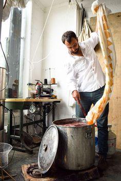 An interview with designer and natural dye extrodinaire, Graham Keegan. Natural Dye Fabric, Natural Dyeing, Fabric Painting, Fabric Art, How To Dye Fabric, Dyeing Fabric, Dyeing Yarn, Art Journal Techniques, Wood Blocks