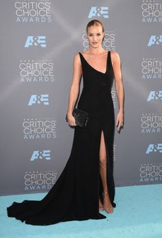 ClioMakeUp-Critics-Choice-Awards-look-beauty-trucco-make-up-vestito-rosie-huntington-whiteley-yves-saint-laurent-ysl