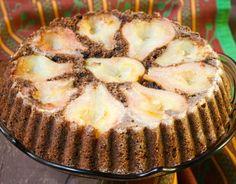 Iată un desert de-a dreptul decadent, care te face să ţii post mai des, chiar dacă nu eşti foarte religios din fire. Nu numai că este vorba de o reţetă de prăjitură cu ciocolată, dar conţine şi pere aromate şi zemoase. Să tot fie Postul Crăciunului. Ingrediente: 3-4 pere mari 1 ceaşcă gem de fructe …
