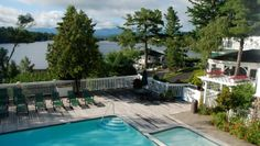 Mirror Lake Inn Resort & Spa: At this 131-room mountainside property, the scenic surroundings and Mirror Lake are the focus.