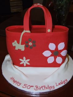Radley Handbag - Made from standing an 8 x Oblong cake on its end and carving to make the bag shape. Covered in red fondant and decorated with sugarpaste accents. Fondant Flower Cake, Fondant Cakes, Cupcake Cakes, Fondant Bow, Car Cakes, Fondant Tutorial, Fondant Figures, Radley Handbags, Radley Bags