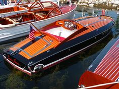 playing in this beauty Ski Boats, Cool Boats, Small Boats, Yacht Design, Boat Design, Wooden Speed Boats, Cruiser Boat, Boat Shed, Runabout Boat