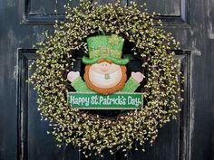 St. Patrick's Day  Wreath  Warm Ivory & Green Pip by Designawreath, $68.95