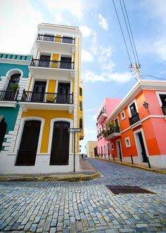 San Juan, Puerto Rico.....and Jarrod wonders why our kitchen is lime green! It must be in my blood....