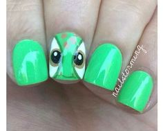 turtle nail art from Finding Nemo Turtle Nail Art, Turtle Nails, Disney Nail Designs, Cool Nail Designs, Nail Art For Kids, Easy Nail Art, Green Nails, Diy Nails, Nail Manicure