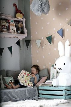 kids room by Paul+Paula - Children's room with the reading corner and spotty wallpaper Kids Corner, Cosy Corner, Cozy Nook, Spotty Wallpaper, Reading Nook Kids, Shared Reading, Deco Kids, Little Girl Rooms, Kid Spaces