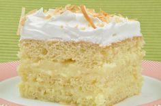 Bien Me Sabe, also known as Coconut Cream Cake, is a Venezuelan dessert that is moist, sweet and rich. Similar to a tres leches cake, Bien Me Sabe is best when allowed to chill overnight. Venezuelan Food, Venezuelan Recipes, Tupperware Recipes, Cake Recipes, Dessert Recipes, Tres Leches Cake, Food Tasting, Moist Cakes, Latin Food