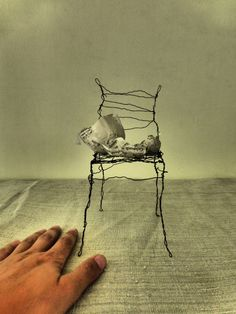 larger. from the small story series. wire art by  Ines Seidel
