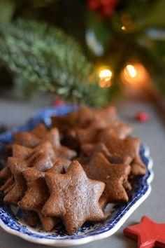Χριστουγεννιάτικα Μπισκότα !!!     NEANIKON Christmas Gingerbread, Christmas Cookies, Cookie Time, Cake Bars, Biscuits, Health Fitness, Xmas, Sweets, Desserts