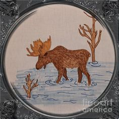 Bull Moose - Porthole Vignette by Barbara Griffin. This vintage Newfoundland wildlife scene is a drawing on fabric of a big bull moose eating sedges and grasses from the bottom of a river. Bull Moose, Moose Art, Newfoundland Map, Quilt Patterns, Quilting Ideas, Sewing Patterns, Embroidered Quilts, Tole Painting, Quilt Making