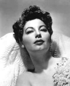 Ava Gardner is my obsession ~ I also adore Elizabeth Taylor and Marilyn Monroe Golden Age Of Hollywood, Vintage Hollywood, Classic Hollywood, In Hollywood, Hollywood Fashion, Hollywood Glamour, Susan Hayward, Diana Dors, Vivien Leigh