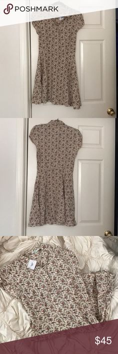 NWT Kimchi Blue Floral Ivory Dress Absolutely gorgeous. I love this print so much. It's delicate and feminine. NWT Kimchi Blue Dresses