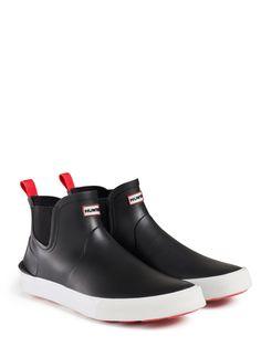 Esos botas son negra y son muy comodo, pero yo no pienso comprar.