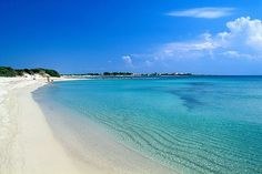 #Pescoluse Beach, one of the best beaches in #Puglia, known to locals as the Maldives of the #Salento