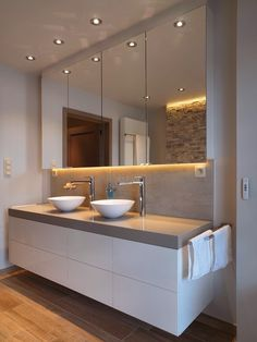 Moderne Badezimmer-Design-Ideen, zum sich zu inspirieren Modern bathroom design ideas to inspire If, ​​for example, you need a modern bathroom vanity set, first measure the available space. The modern bathroom design does not have to be … Home decoration Ensuite Bathrooms, Bathroom Toilets, Laundry In Bathroom, Bathroom Renos, Bathroom Interior, Bathroom Vanities, Laundry Rooms, Bathroom Ideas, Bathroom Furniture Design