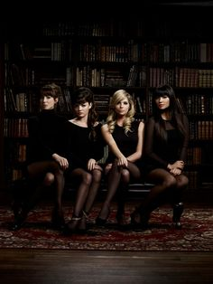 The PLL girls look stunning in this photo!
