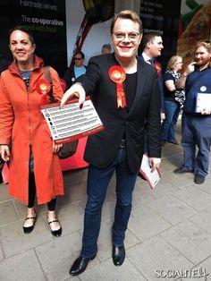 Eddie Izzard Promotes The Labour Party