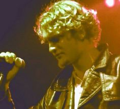 Layne Staley. Beautiful inside and out..