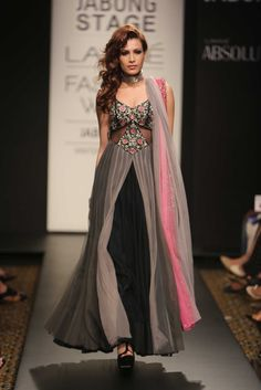 Bridal Emerges as Key Trend at Lakmé Fashion Week love this! A look from Arpita Mehta. Lakme Fashion Week, India Fashion, Ethnic Fashion, Asian Fashion, Indian Attire, Indian Ethnic Wear, Anarkali Dress, Lehenga Choli, Sarees