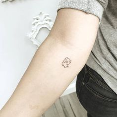 Hey, Friend's are you looking for pig tattoo designs for your body art. Then these tattoo collection for your here you will get some cool and unique collection of pig tattoo. Little Tattoos, Mini Tattoos, Trendy Tattoos, Body Art Tattoos, Sleeve Tattoos, Tattoos For Guys, Tattoos For Women, Cool Tattoos, Tattoo Art
