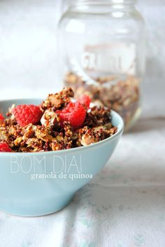 Granola de Quinoa (com puré de maçã)