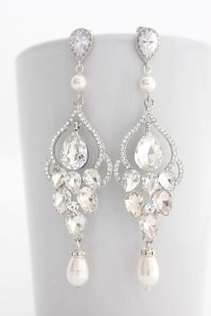 Bridal chandelier diamond earrings #diamanten #ohrringe #braut