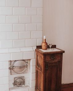 Likiery Chopin (@chopinlikiery) • Zdjęcia i filmy na Instagramie Liqueur, Vanity, Bathroom, Instagram, Furniture, Home Decor, Dressing Tables, Washroom, Powder Room