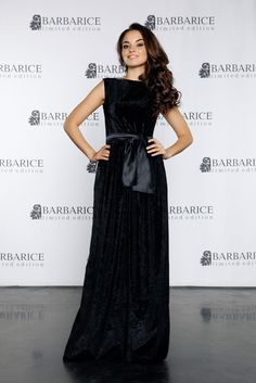 Бархатное черное платье в пол