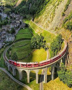 Spirál viadukt, Svájcban.